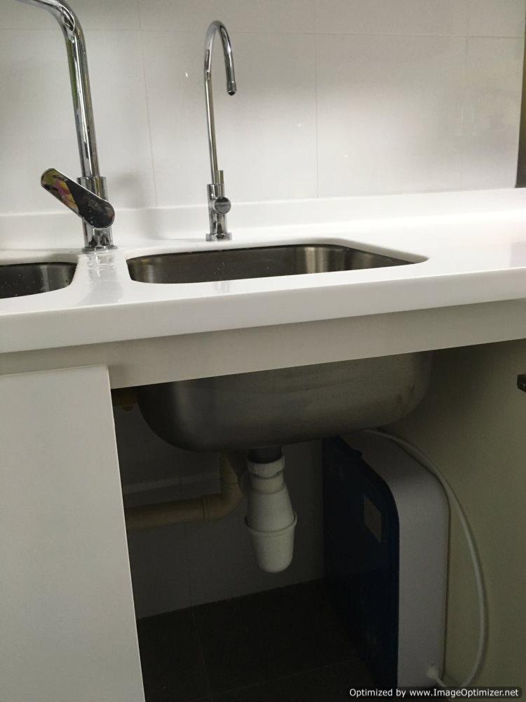 Under sink water purifier installation